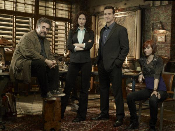 "WAREHOUSE 13: Sneak Peek at Holiday Episode ""The Greatest Gift"""
