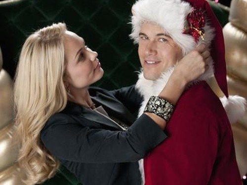 "DESPERATELY SEEKING SANTA: Laura Vandervoort:  ""If you're a true romantic at heart, it's a beautiful kind of love story"""