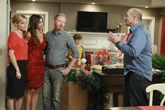 MODERN FAMILY: Express Christmas