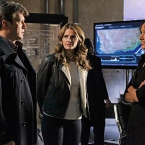 RUSSELL EDGE (OBSCURED), NATHAN FILLION, STANA KATIC, JENNIFER BEALS