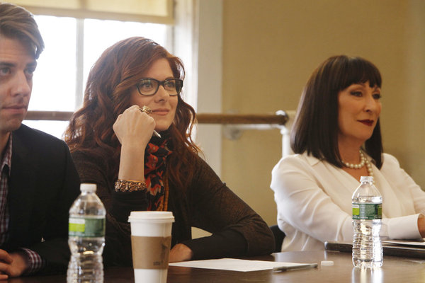 SMASH: Debra Messing's 'Julia' Balances Home & Career