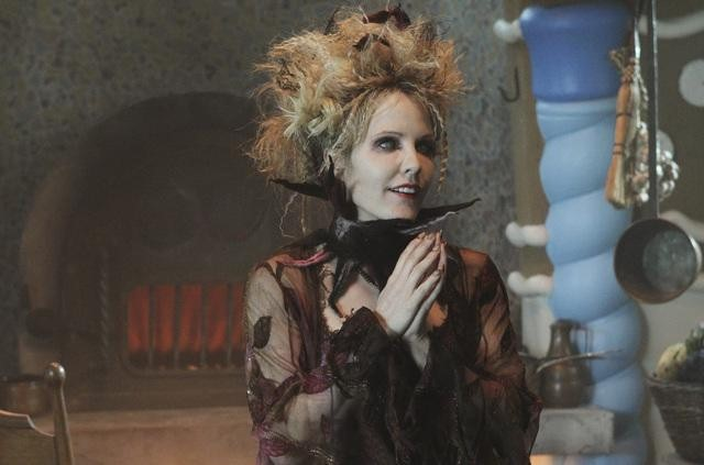 ONCE UPON A TIME: First Look at Emma Caulfield