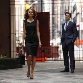 "Matt Bomer, Hilarie Burton in WHITE COLLAR -- ""Pulling Strings"" 314 -- Photo by: Will Hart/USA Network"