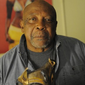"PSYCH -- Episode 615 ""Heeeeere's Lassie"" -- Pictured: Lou Gossett Jr. as Lloyd"
