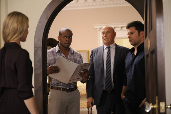 "PSYCH: Photos from ""Santabarbaratown"""
