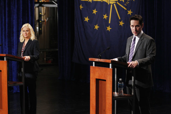 "PARKS AND RECREATION: Photos from Ep. 4.20, ""The Debate"""