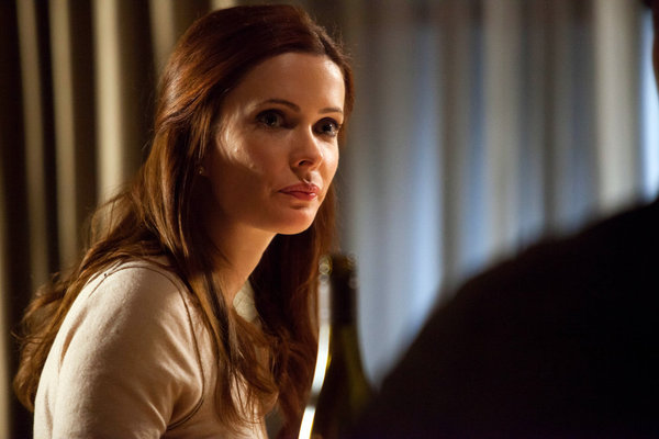 GRIMM: 2 Preview Clips from Season Finale, &#8220;The Woman in Black&#8221;