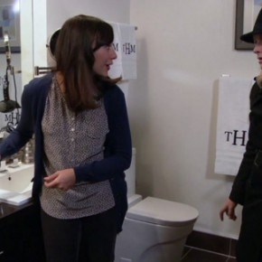P&R S04E19 - Live Ammo_Ann & Leslie in Tom's Bathroom
