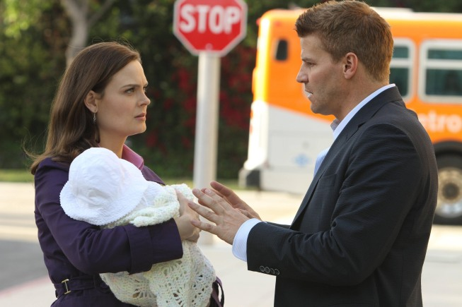 BONES FINALE Recap: On the Lam