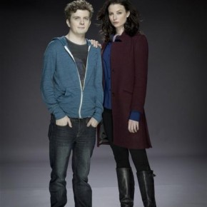 Continuum - Erik Knudsen as Alec and Rachel Nichols as Kiera