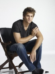 PRETTY LITTLE LIARS - Keegan Allen