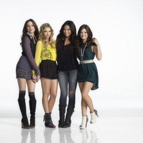PRETTY LITTLE LIARS - ASHLEY BENSON, LUCY HALE, TROIAN BELLISARIO, SHAY MITCHELL