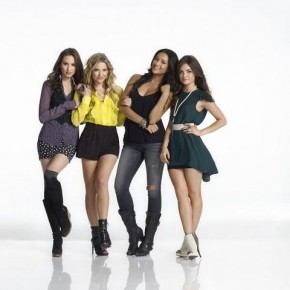 PRETTY LITTLE LIARS - TROIAN BELLISARIO, ASHLEY BENSON, SHAY MITCHELL, LUCY HALE