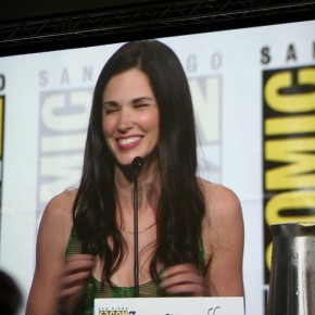 Comic-Con-2012-Alphas-Leah_510