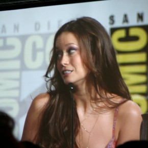 Comic-Con-2012-Alphas-Leah_515
