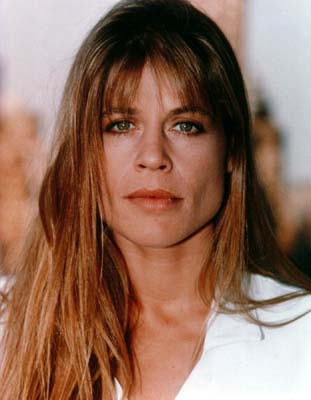 Linda Hamilton to Appear on LOST GIRL