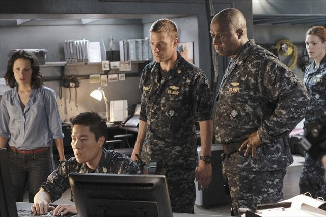 "LAST RESORT: Photos from Series Premiere, ""Captain"""