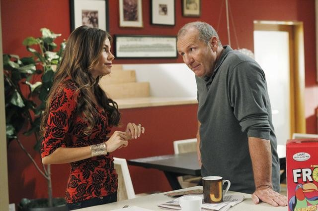 "MODERN FAMILY: 37 Photos from Season 4 Premiere, ""Bringing Up Baby"""