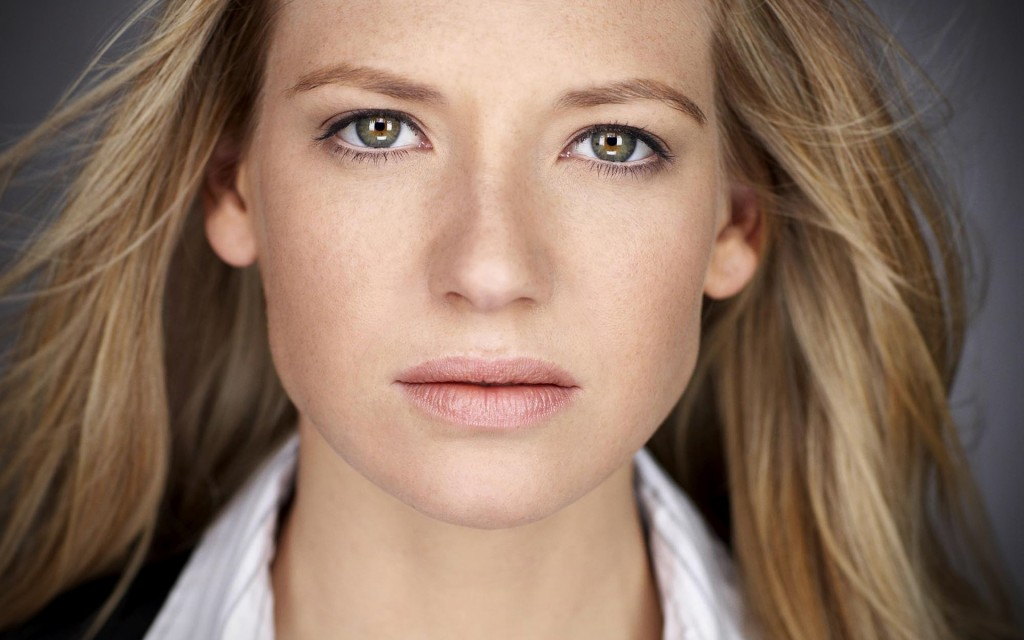 FRINGE: Anna Torv on the Final Season {VIDEO}