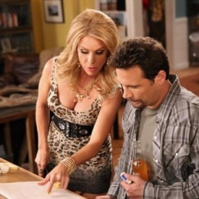 Suburgatory-Season-2-Episode-6-Friendship-Fish-550x366