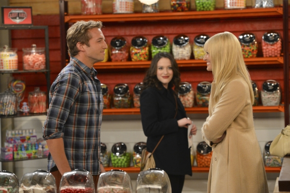 Can Ryan Hansen Rescue 2 BROKE GIRLS? While Wearing Plaid?