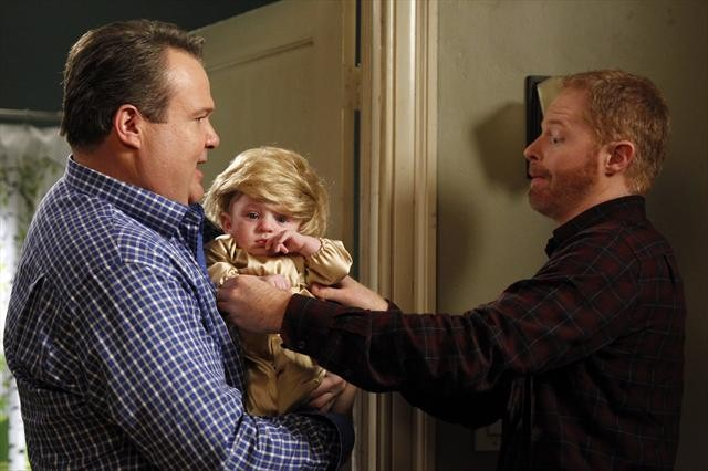 """MODERN FAMILY: Photo Preview for """"Bad Hair Day"""""""