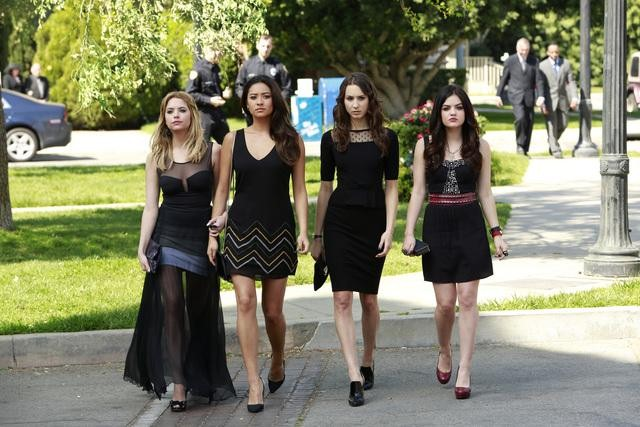 "PRETTY LITTLE LIARS - ""A is for A-L-I-V-E"""