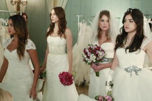 "PRETTY LITTLE LIARS: [Photos & Synopsis] ""Unbridled"""
