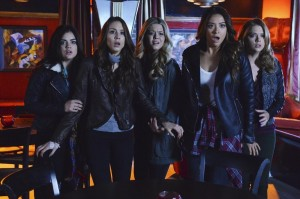 [Photos & Synopsis] Ali Tells All in the PRETTY LITTLE LIARS Season Finale