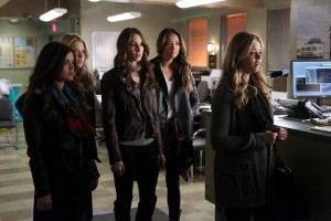 "PRETTY LITTLE LIARS: Press Release & Photos for ""Whirly Girlie"""