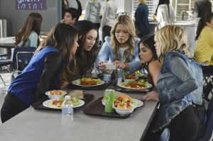 "PRETTY LITTLE LIARS: Photos & Synopsis from ""Run, Ali, Run"""