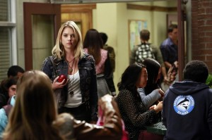 "PRETTY LITTLE LIARS: Photos & Synopsis from ""March of Crimes"""