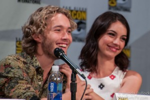 REIGN: Photos from the Comic Con Panel