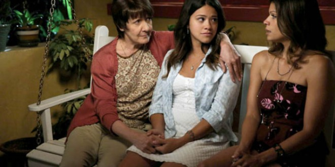 "Tonight is ""Chapter Two"" of JANE THE VIRGIN [Photos]"