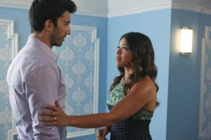 "JANE THE VIRGIN: ""Chapter Three"" Synopsis and Photos"