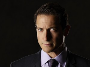 Thanksvember: Sasha Roiz on GRIMM