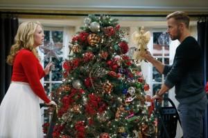 "MELISSA & JOEY: Christmas Special, ""A Melanie & Josiah Christmas"""