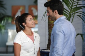 "JANE THE VIRGIN: ""Chapter 10″ (aka ""Hurricane Jane"") Synopsis & Photos"
