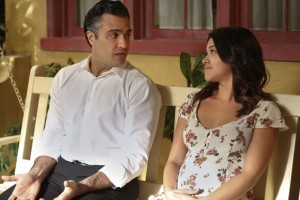 "JANE THE VIRGIN ""Chapter Fourteen"" Photos & Synopsis"