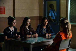 "PRETTY LITTLE LIARS: Photos & Promo Video for ""Bloody Hell"""
