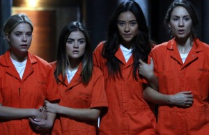 "PRETTY LITTLE LIARS: Photos & Video from ""Welcome to the Dollhouse"""