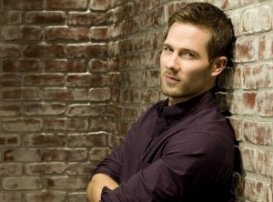 NICE BOY OF THE WEEK: Luke Macfarlane