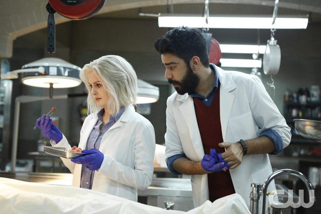 "iZombie -- ""Eternal Sunshine of the Caffeinated Mind"" -- Image Number: ZMB214a_223.jpg -- Pictured (L-R): Rose McIver as Liv and Rahul Rohli as Ravi -- Photo: Bettina Strauss/The CW -- © 2016 The CW Network, LLC. All rights reserved."